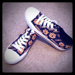 Auburn shoes 😎  NWOT